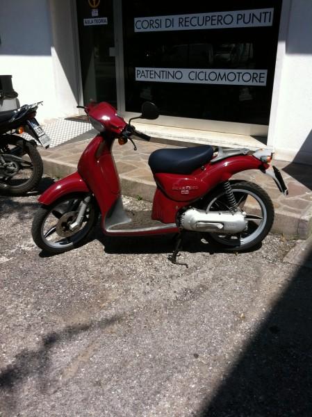 scooter aprilia scarabeo